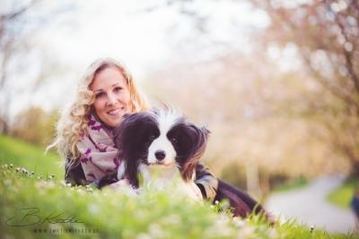 VitaliTier: Tiertherapie Schurig - Kathrin mit ihrem Border Collie Rüden Flynn.